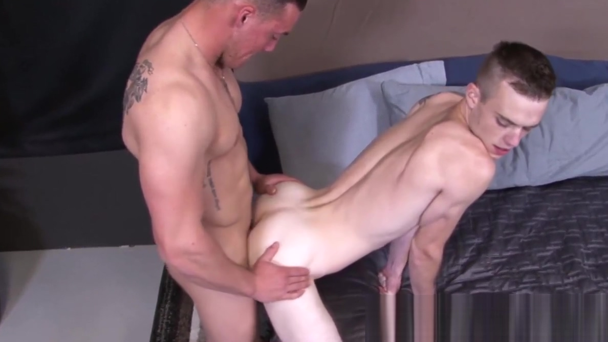 Young army recruits bareback each other and suck dick Naked Movies Xxx