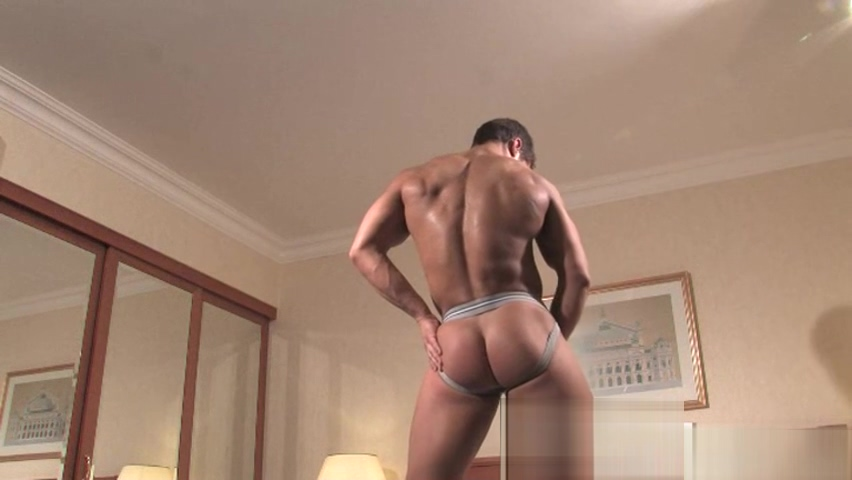 Muscle bodybuilder rimjob and cumshot Snapchat secy