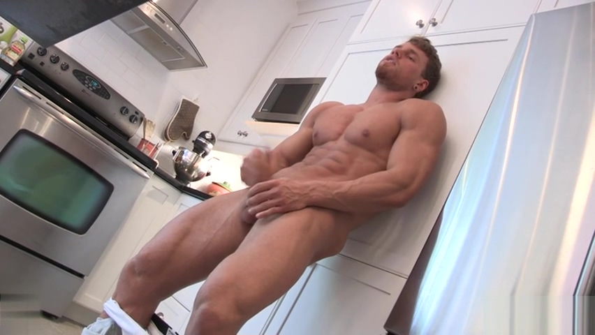 Muscle gay rimjob and cumshot Trois rivieres nightlife