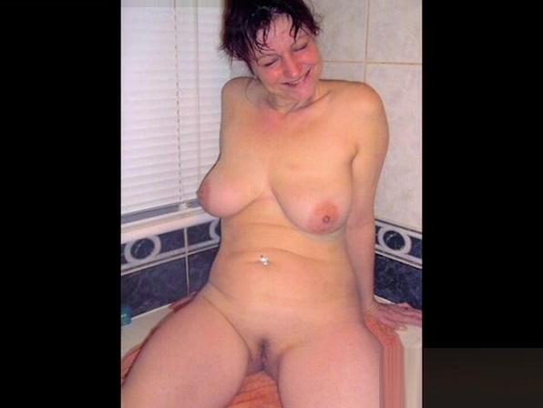 OmaFotzE Collected Great Milf Photos in Slideshow Hidden Porn Clip