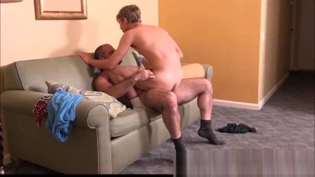 Nerdy Blonde Twink fucked bareback by Daddy Shemal Sellp