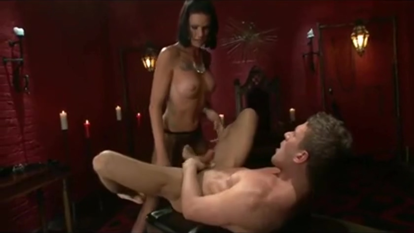 pretty shemale female-dominator Commands twink In Red Room Horny girls in Ford