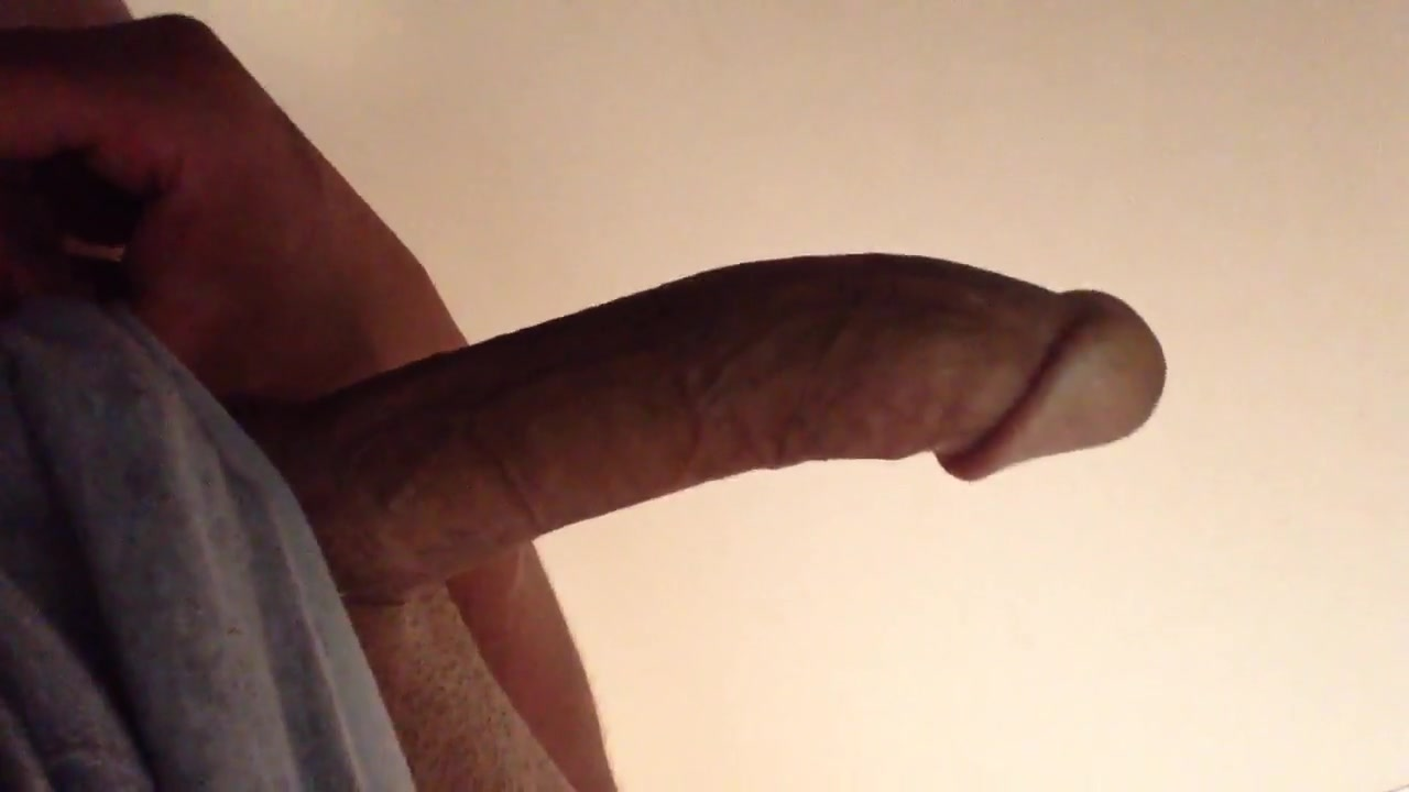 Close-up clip with amateur gay bloke masturbating Sexy stretch jeans