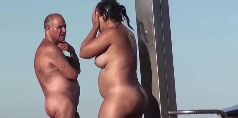a look at the beach mirror
