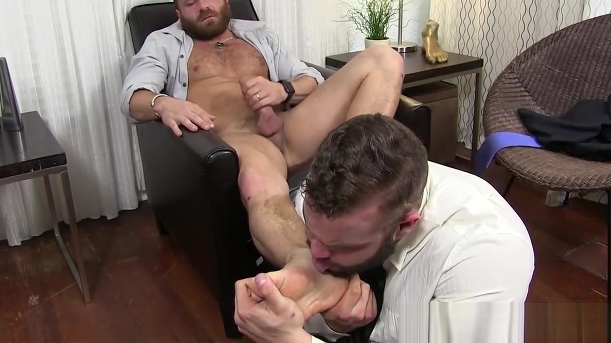 Hairy hunk Riley masturbation during foot worship Ashley vee naked pics