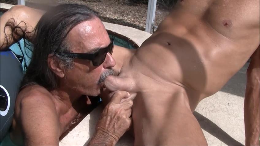 Jamie Deep Throats TV Jenny in the Pool #1 Swxy boobs