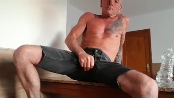 Big blackrat marking his territory.pissing Home made real sex