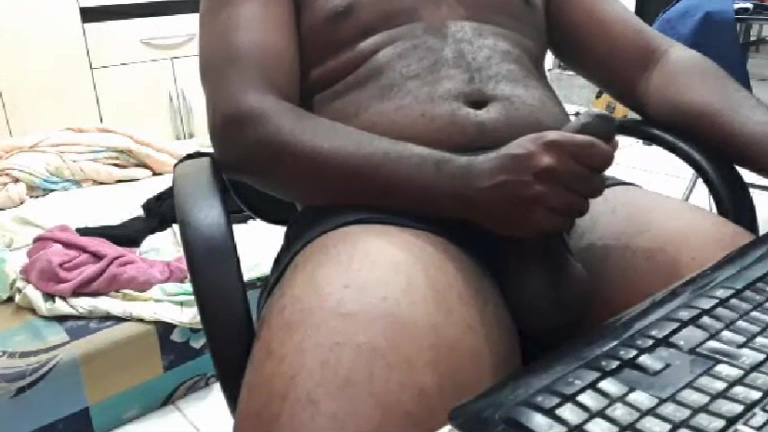 BEEFY THICK BRAZILIAN HUNK WITH FAT UNCUT DICK AND THICK CUM Paid blowjob