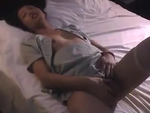 Randy Ladytwink Relaxing How to have sex with two women