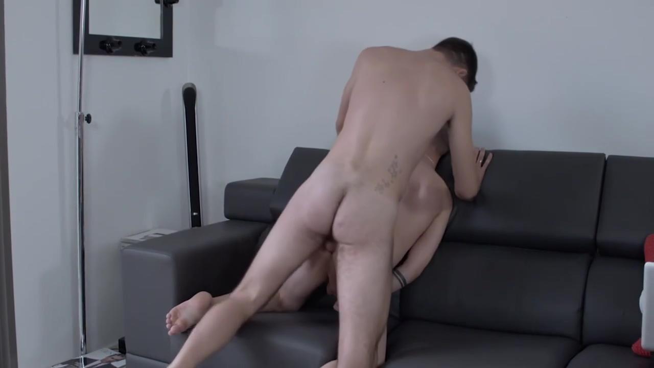 Window Washer Sucks Duos Feet And Cocks dark skined nude thumnails