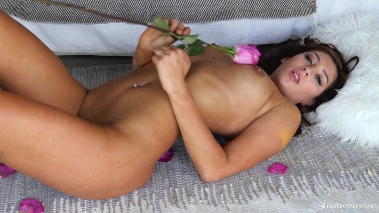 Dacia Maria in Bed of Roses - PlayboyPlus