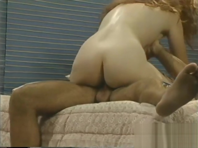Dane receives It good - Scene 2 Busco una senora guapa