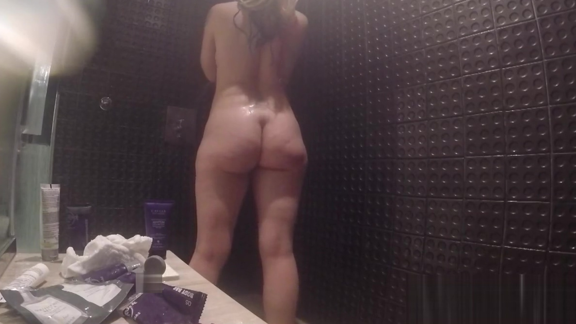 Leya Falacon takes a steamy shower Massage With Cock