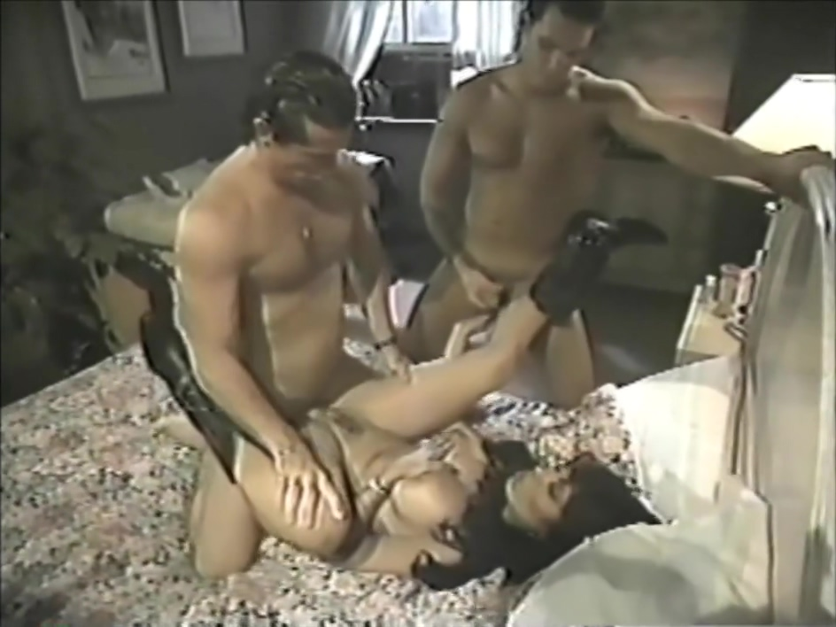 Classic Threesome Isis Nile Creampie no pulling out