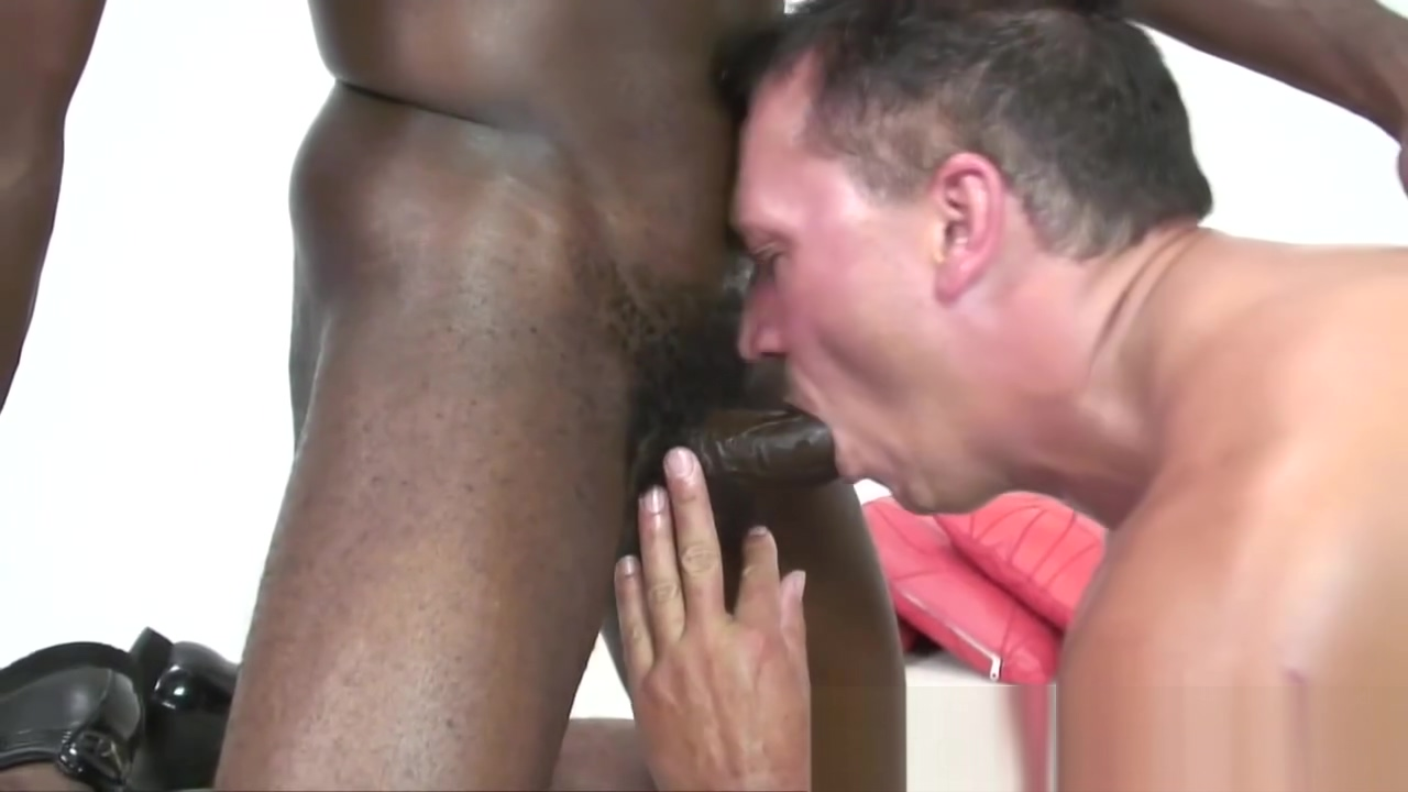 Nervous first timer sucking black cocks to finance his college Best hookup site seattle