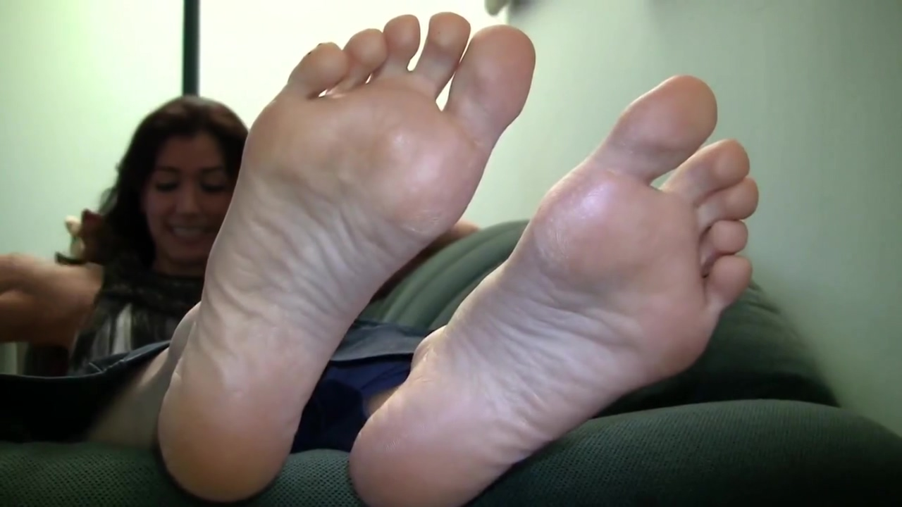 Siennas Candid Stinky Soles Girls who post nudes on facebook