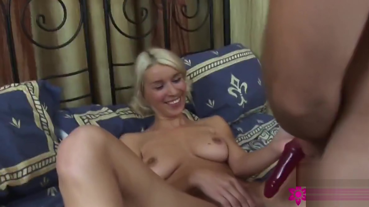 Blondes Teeny Girl gefickt Ebony shemale fuck shemale