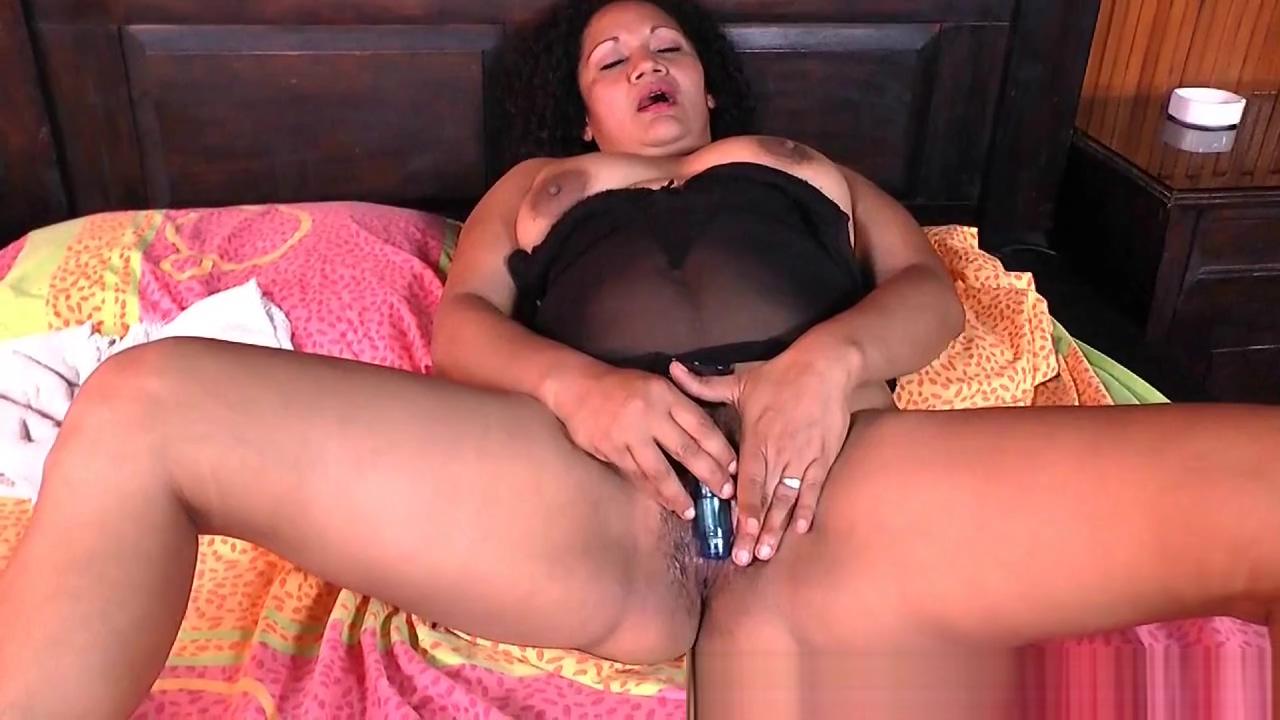 Latina milf Sharon needs a masturbation break African hairy pussy pictures