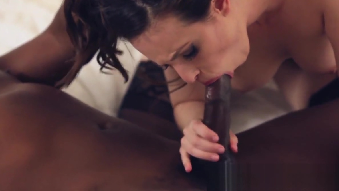 Casey Calvert takes BBc deep inside her cunt Kate hudson sex