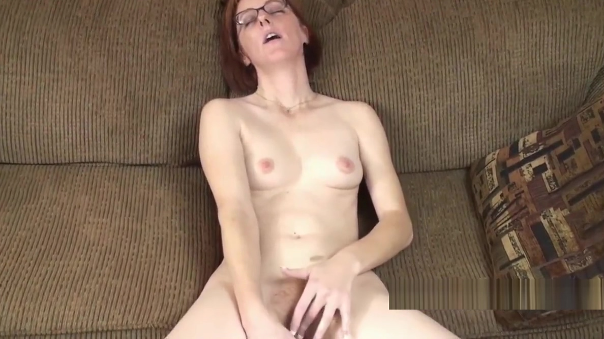 Redhead MILF Layla Redd fucks her mature twat with a toy Things to know when hookup a girl