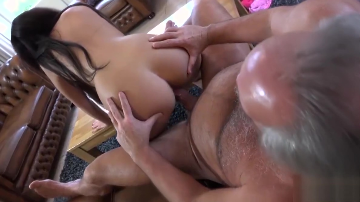Sexy young girl fucked by fat old man cum swallow babe Asian Slut Sucks Cock In The Bus