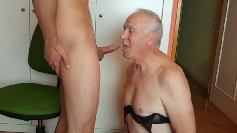Older gay guy sucks young guys cock and drinks his cum. Saliva pre-seed low sperm