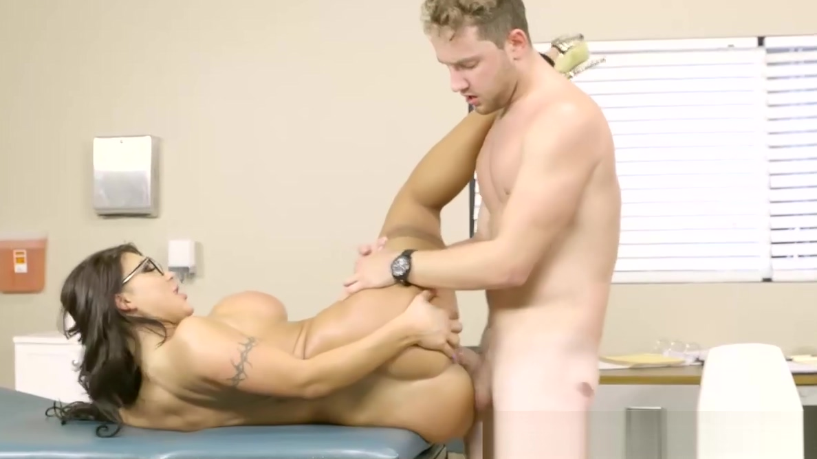 Naughty big boobs MILF doctor taking hard stiff cock in cunt william levy having sex
