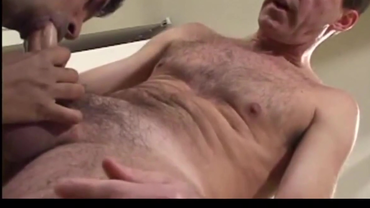 Daddy takes a shower then gets sucked and fucked wicca sex bdsm sm pet foto