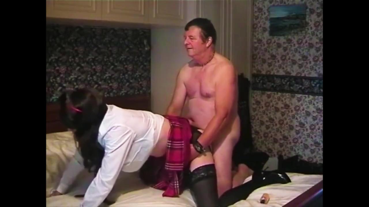 AmberSis - Amateur Sissy Fucksluts wife outdoor deep throat