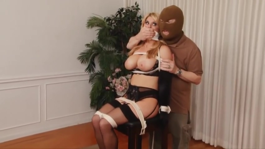 JJ Carissa Montgomery 2 part big fat round tits