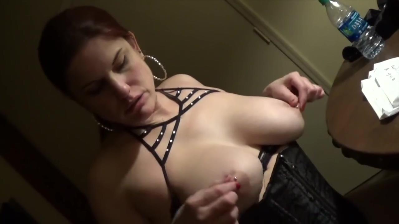 Lesbian Dirty Talk Pair Sexy lesbian sucking