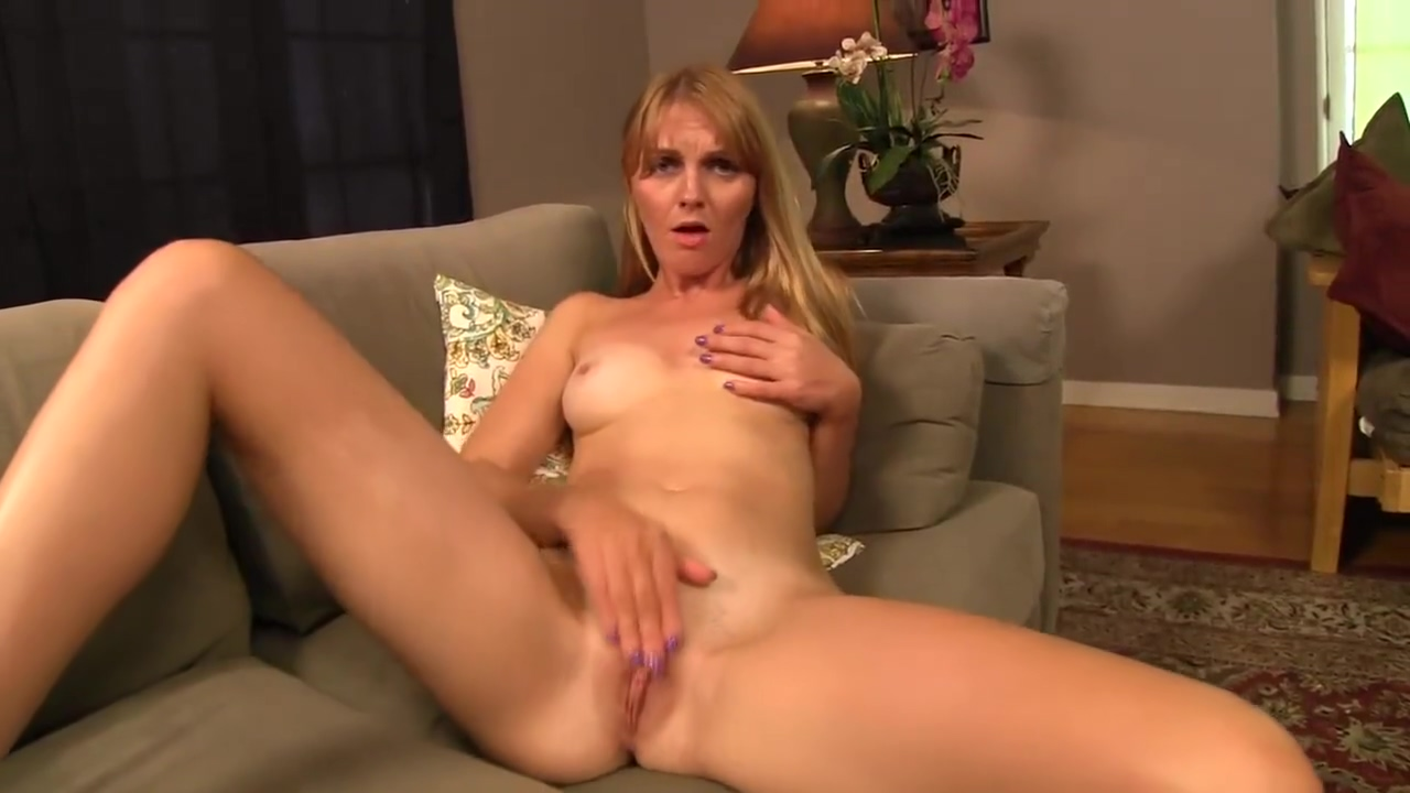 Marie McCray - First date jerk off session