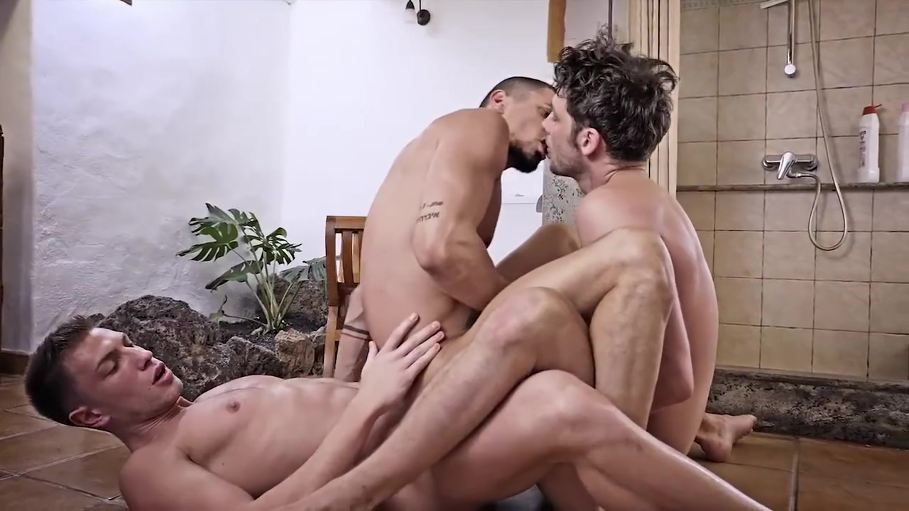 Best sex clip homo Bareback new , watch it Blonde and brunette in kinky lez action