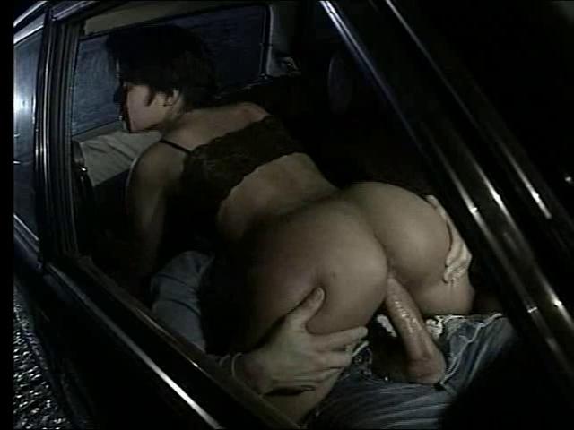 seks-v-avtomobile-retro-porno-video-mini-sosut