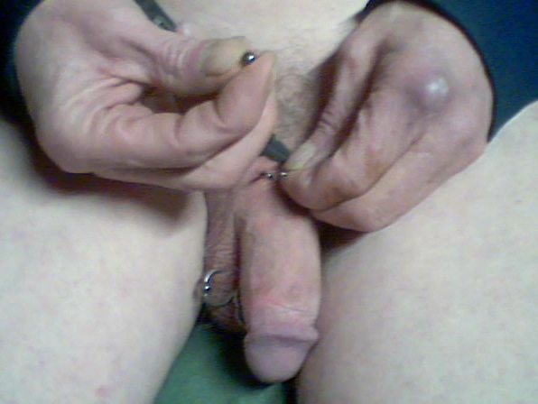 Kathys New Piercing Pocket change milf