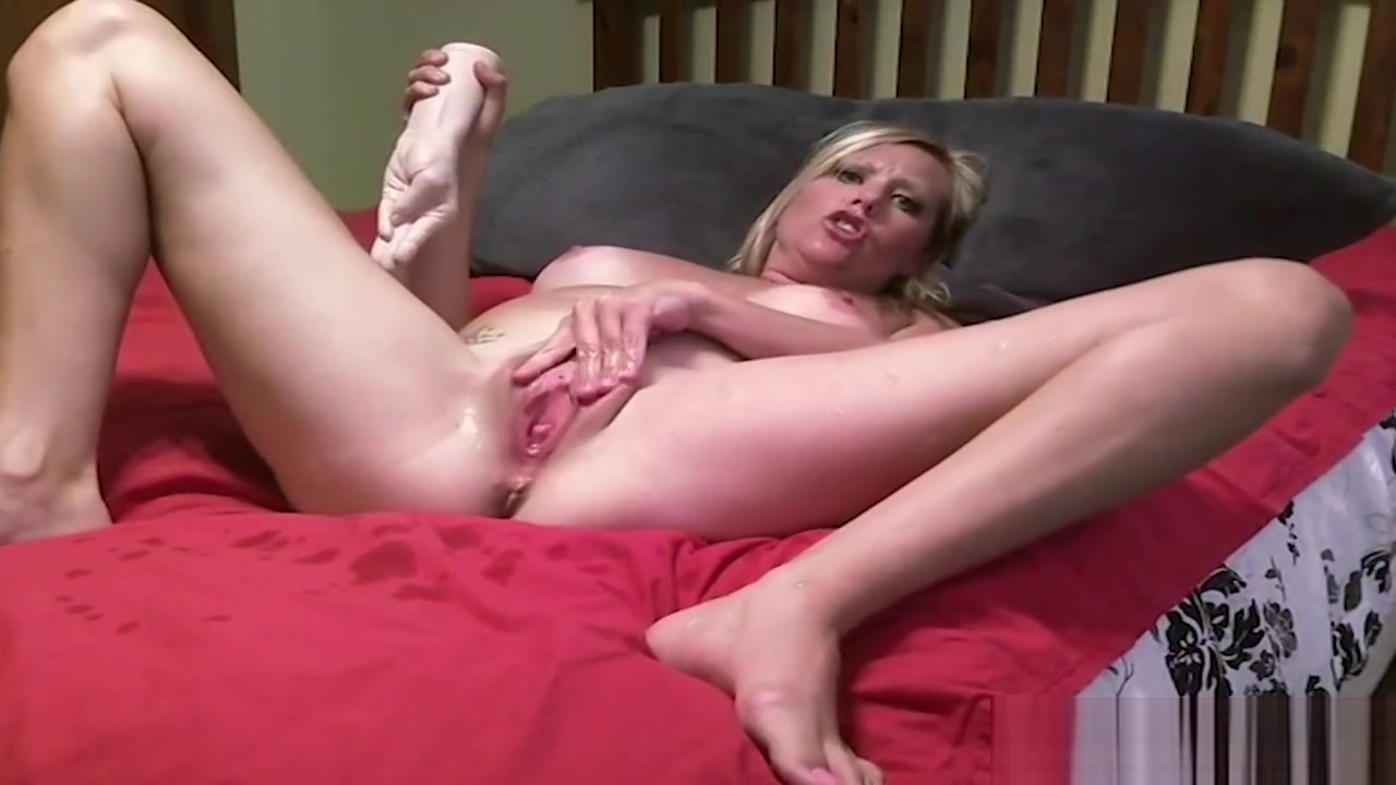 Stuffing her pussy with rubber fist to squirt multiple times What is a healthy relationship between a couple