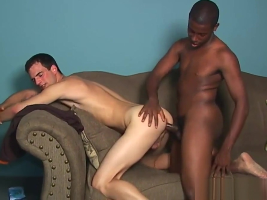 Slim first timer white boy goes black Latina selling quenepas with extra