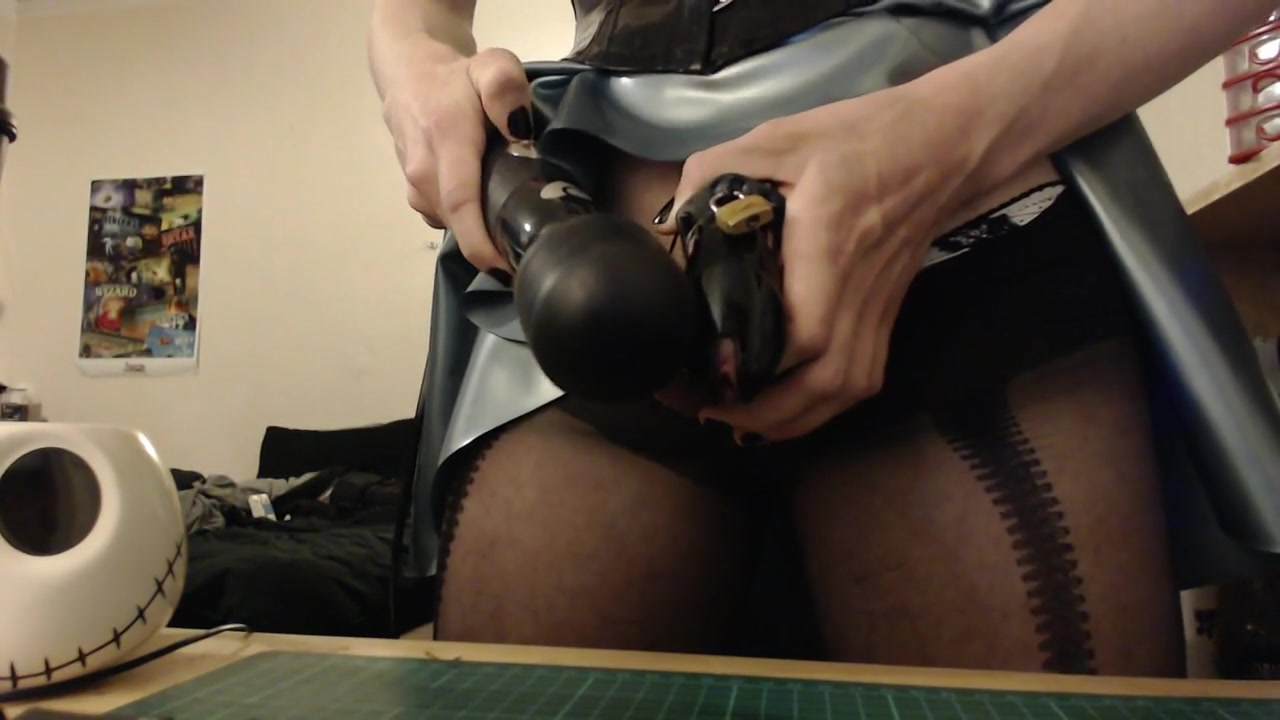 latex sissy cums in chastity Hot bitch pic cunt
