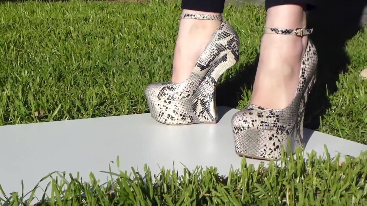 Heel less snakeskin 7 inch high shoes Young solo teen girls naked