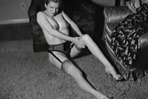Cindy strips nude naked celeb vids free