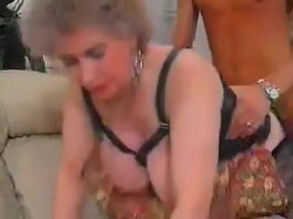 German Big Titten Granny Alawar game box