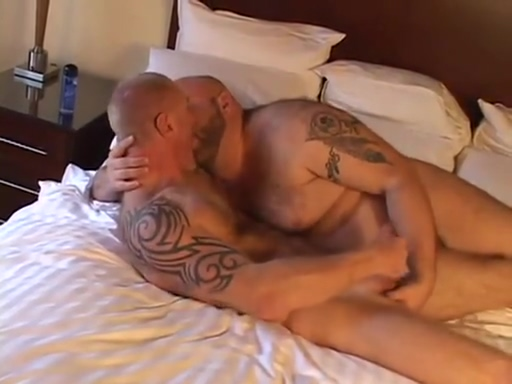 Big Ben and the British Bears Video sex latino free