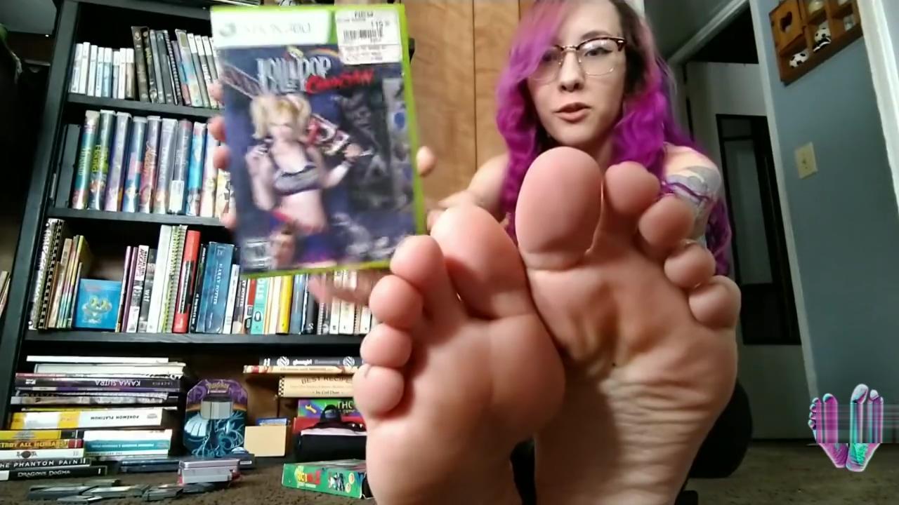 Gamer Girl Feet Nerdy Princess Bella Soles