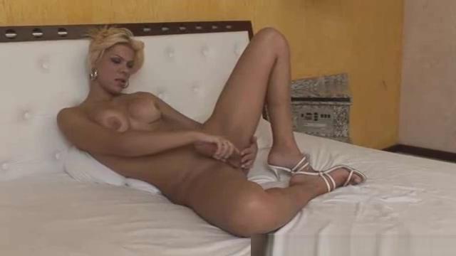 dirty Melanie Hickman Plays With weenie 4tube katie morgan