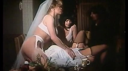 Brigitte Verbecq Julia Perrin se mettent a table donna douglas porn donna douglas porn jpeg