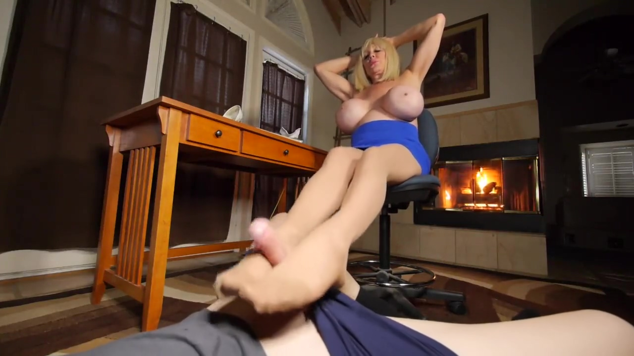 Ms Shelly Burbank is Gives a Great Titfuck it burns when i have sex
