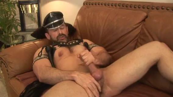 Leather daddy M iwantblacks