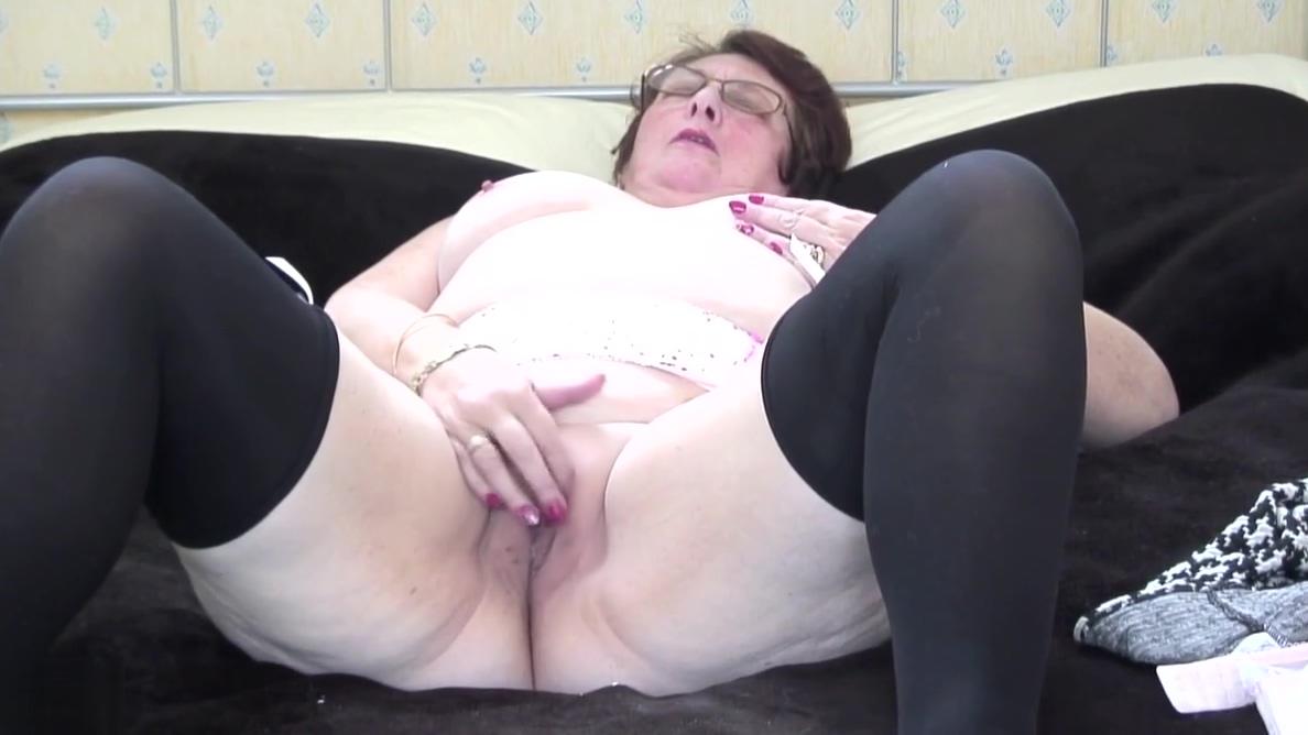 Classy British granny needs a good fuck jimi blue porn pics