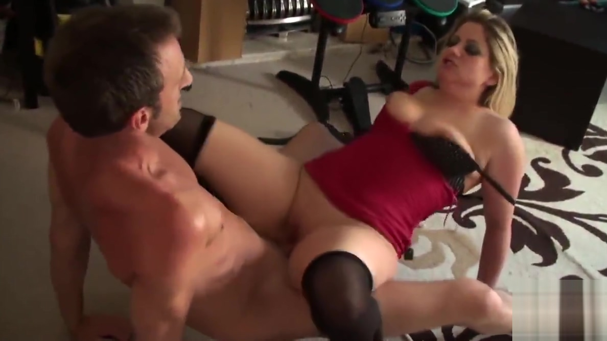 Spanked brit submissive in chokeplay More hot pics
