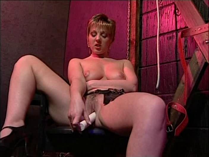 British floozy Samantha Jayne bonks herself with a sextoy sophie ngan sex scene